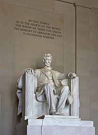 Lincoln_Memorial_(Lincoln_tall)