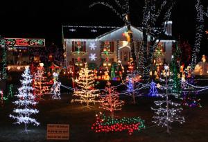Christmas_Lights_house_display